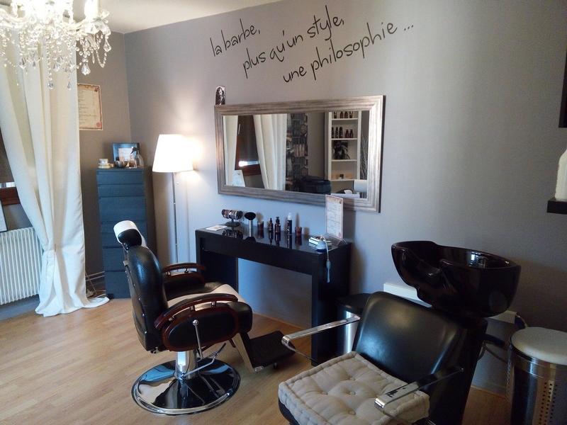 Un Barbier dans la Ville, Salon de Rasage à l'Ancienne à Obernai